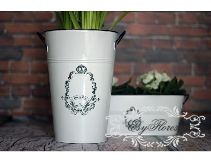 Skrzynka osłonka biała wazon