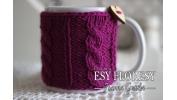Kubek w sweterku fiolet bzu