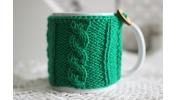 Kubek w sweterku zielony